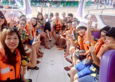 Team Vĩnh Cát trải nghiệm thái Lan