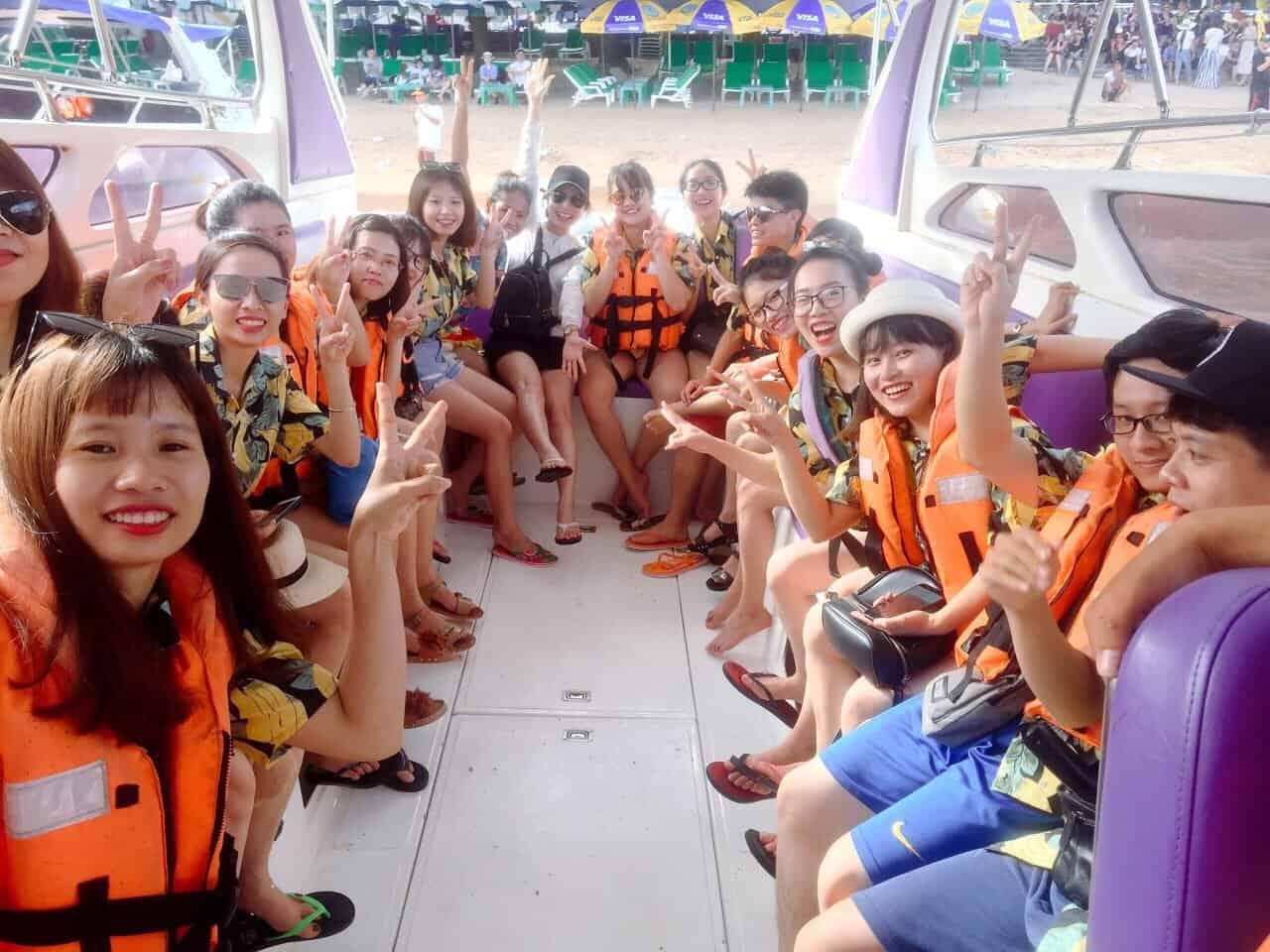 Team Vĩnh Cát du lịch trải nghiệm Thái Lan