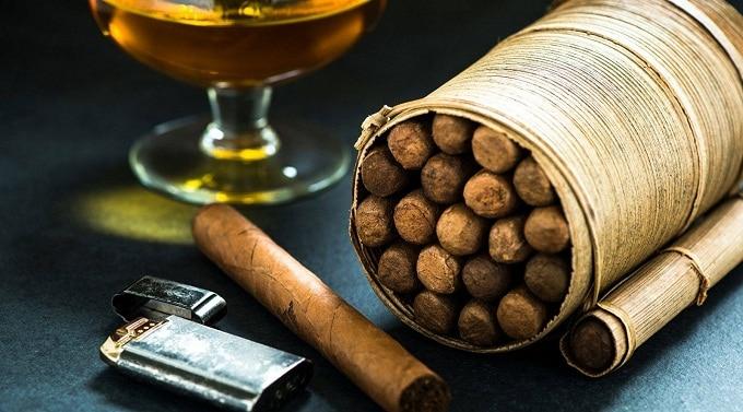 Lá thuốc lá khô khi làm thuốc lá
