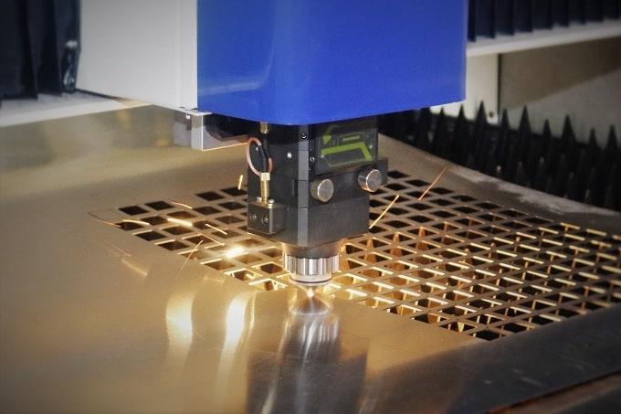 thủ tục nhập khẩu máy khắc laser