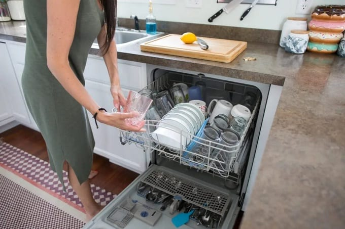 thủ tục nhập khẩu máy rửa bát đĩa