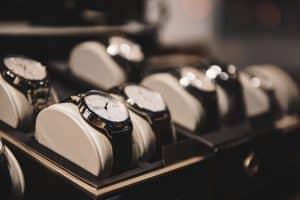 Thủ tục nhập khẩu đồng hồ đeo tay và các loại đồng hồ cá nhân khác