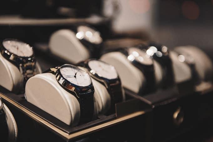 thủ tục nhập khẩu đồng hồ đeo tay