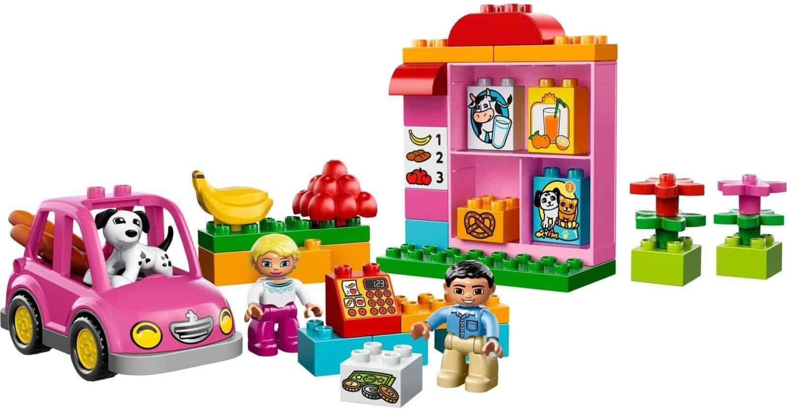 Hình thức bán đồ chơi trẻ em  là hình thức buôn bán siêu lợi nhuận đang thu hút sự chú ý của đông đảo người trẻ mang ý định khởi nghiệp. Việc tìm nguồn nhập hàng đồ chơi trẻ em là một trong những khó khăn cạnh tranh đối với các chủ shop mới bắt đầu kinh doanh và chưa có thương hiệu .Bài viết dưới đây của chúng tôi sẽ giúp bạn tìm kiếm nguồn hàng trẻ em Hong Kong giá sỉ lẻ.  Một số món đồ chơi phổ biến hiện nay -Đồ chơi có tính giáo dục Đồ chơi giáo dục góp phần trong việc tạo thành và lớn mạnh kỹ năng cũng giống như trí óc của trẻ. Không những thế việc mẫu mã cũng phụ thuộc vào độ tuổi để từ đó nắm được sự tăng trưởng trong từng giai đoạn để tạo nên những đồ chơi phù hợp với mọi lứa tuổi. -Đồ chơi gỗ Chất liệu đồ chơi là sự quan tâm hàng đầu của những bậc phụ huynh khi chọn lựa đồ chơi cho con trẻ. Mang chất liệu gỗ từ tự nhiên, các bậc phụ huynh sẽ cảm thấy an toàn hơn, hơn thế nữa hiện nay đồ chơi gỗ đã được cải tiến và mẫu mã với đa dạng bề ngoài đẹp hơn và cá tính hơn, không còn thô sơ như trước.  -Đồ chơi mô hình Đồ chơi mô hình là một món đồ chơi mô phỏng theo những đồ vật, thiết bị thật, được thu nhỏ theo tỷ lệ.  Nguồn hàng trẻ em hong kong giá sỉ lẻ ở đâu? - Ở các chợ đầu mối Chợ đầu mối hiện đang là địa chỉ lấy buôn đồ chơi trẻ em giá sỉ hàng đầu hiện nay. Tại đây các mặt hàng đồ chơi trẻ em được bày bán với đa dạng các mẫu mã, chủng loại, chất liệu từ cao cấp cho đến bình dân bạn có thể nhập về buôn bán.  -Nhập hàng trực tiếp từ nhà sản xuất Với nhu cầu tìm mua các sản phẩm chất lượng, chính hãng, có uy tín thương hiệu trên thị trường như hiện nay thì nhập hàng trực tiếp từ nhà sản xuất là một trong những lựa chọn hoàn hảo bạn nên cân nhắc nhé. Khi nhập hàng tại đây, bạn hoàn toàn có thể yên tâm về chất lượng, độ an toàn của sản phẩm cũng mà không cần phải mất tiền qua trung gian. -Nhập hàng từ nước ngoài Ngoài các nguồn hàng đồ chơi trẻ em trong nước, bạn cũng có thể tham khảo thêm một số địa chỉ nhập hàng từ các nước như: Trung Quốc, Hồng Kông, Đài Loan,